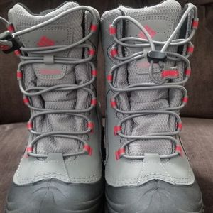Youth Columbia Snow Boots